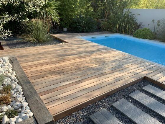 tour de piscine en bois